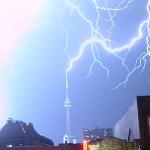 cn-tower-toronto-lightning