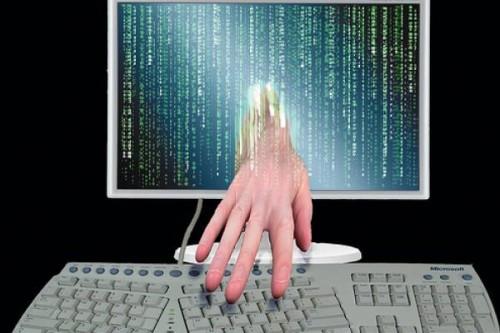 computer hacker (500 x 333)