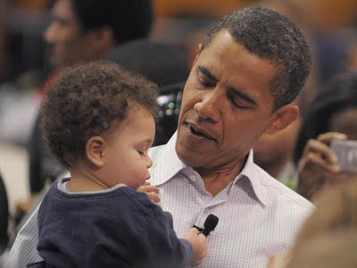 Obama+with+kid