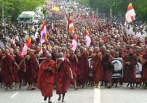 burma-thai saffron-revolution x daniel pedersen NewMatilda (468 x 330)