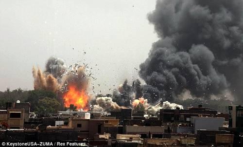 Bilderesultat for pics of refugees escaping from nato bombs